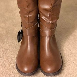 Casual riding boots